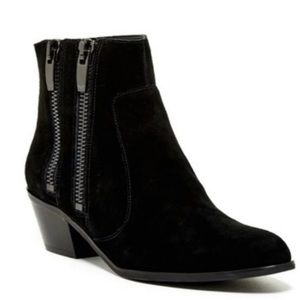 New Via Spiga Side Zip Boots Size 7